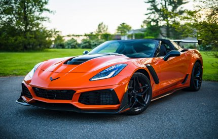 Jak zadbać o luksusowe auto? Poznaj car detailing!