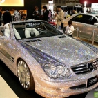 Mercedes Benz pokryty diamentami -arab tuning  Absolutely incredible bling-bling vehicle